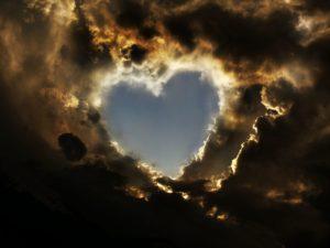 coeur de nuages 2 300x225 Frantisek Halas   Confession